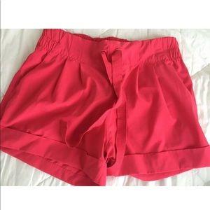 Lululemon Shorts Women's 4 Coral Pink.
